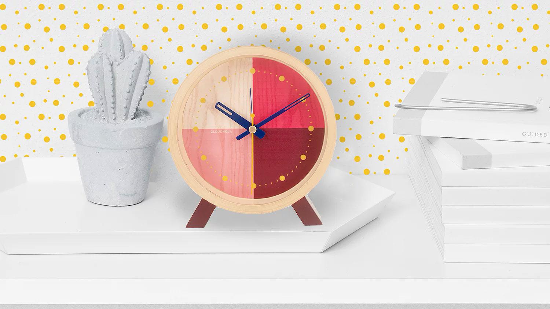 Flor Red Desk Clock